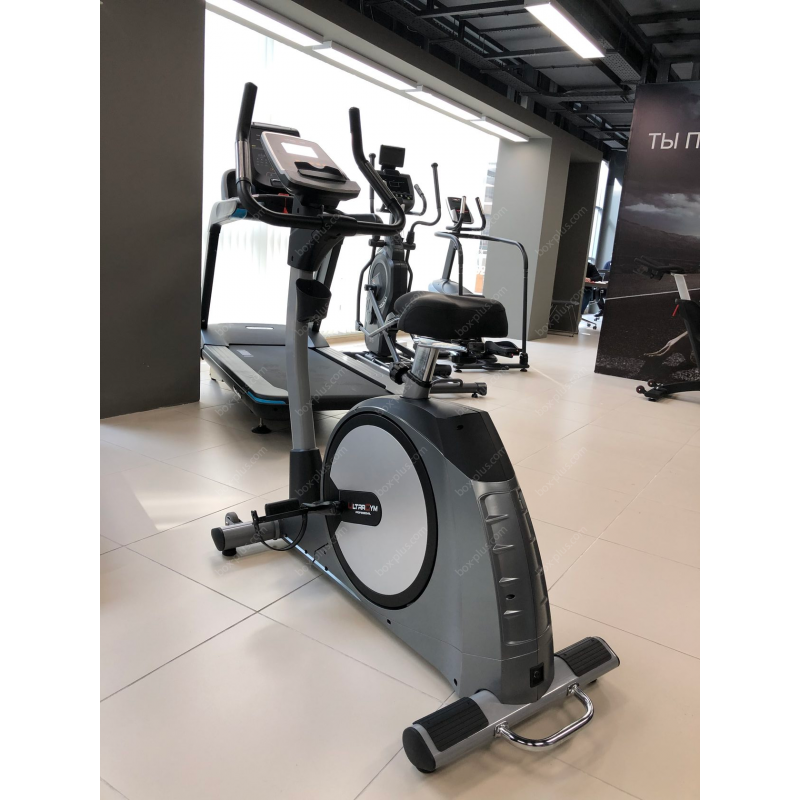 Вертикальный велотренажер UltraGym